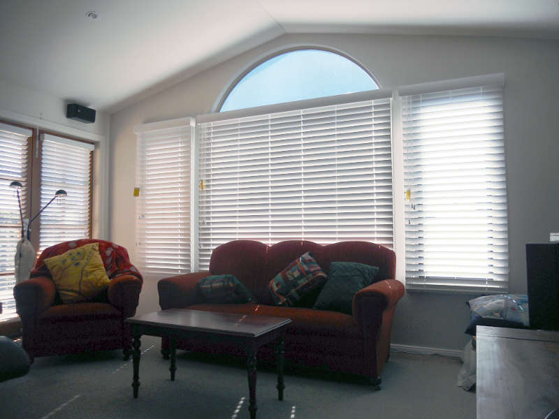 indoor-venetian-blinds
