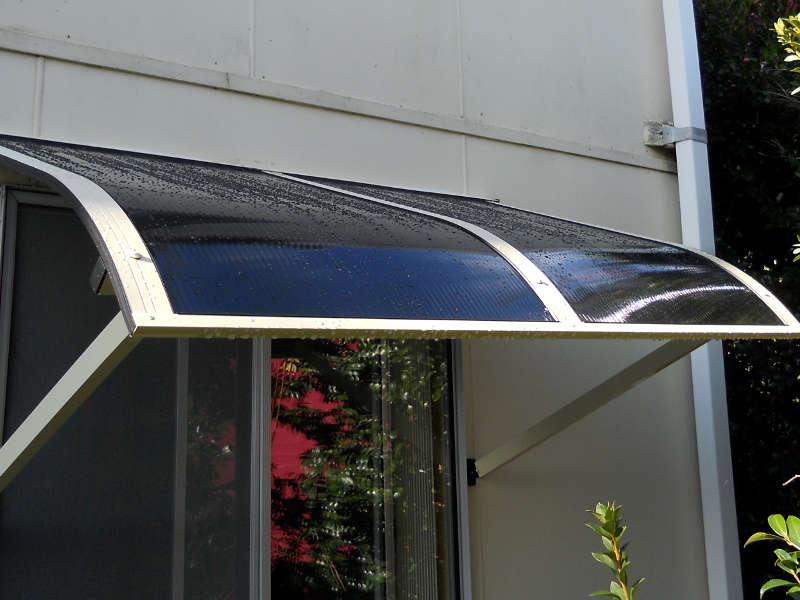 outdoor-carb-o-lite-awnings